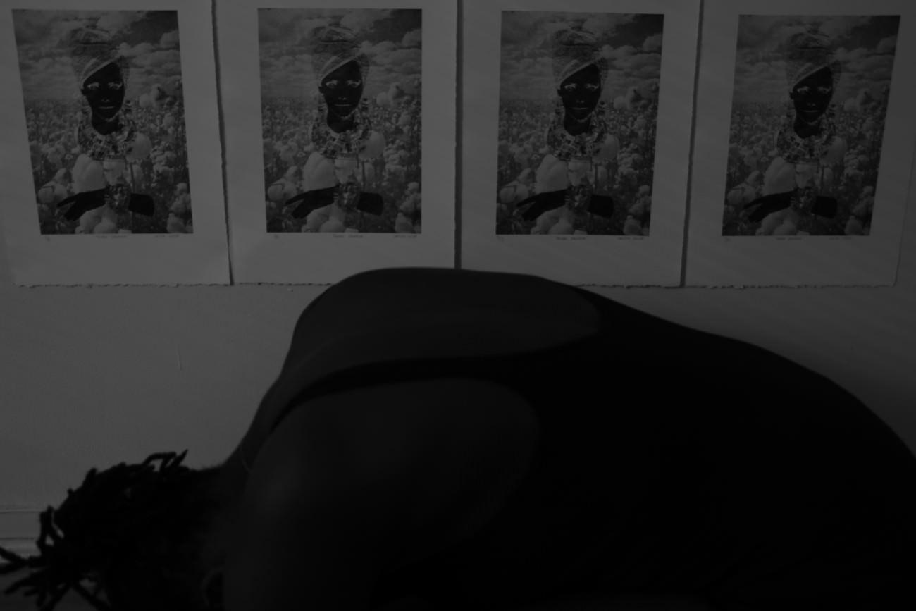 Steve Giasson. Performance invisible n° 3 (Demeurer immobile et en silence (un certain temps)).    Performeuse : Laëtitia Chicot. Crédit photographique :Laëtitia Chicot. 15 mars 2017.